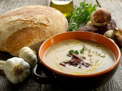 Грибной суп из шампиньонов по-итальянски